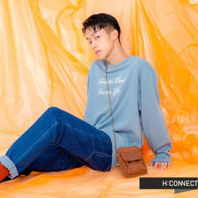 H:CONNECT 韓國品牌 男裝 -草寫標語圓領上衣-藍