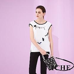 ICHE 衣哲 時尚滾邊立體釘飾刺繡印花高磅造型上衣-白