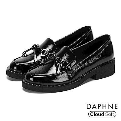 達芙妮DAPHNE 樂福鞋-漆面蝴蝶結雲軟鞋墊樂福鞋-黑