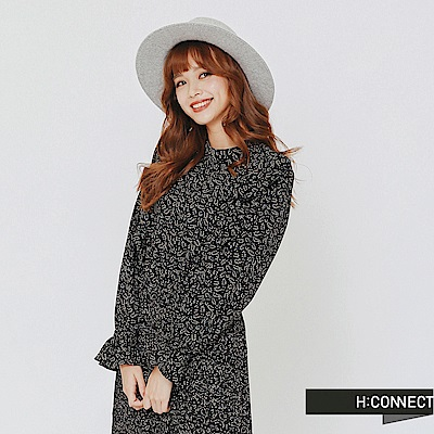 H:CONNECT 韓國品牌 女裝-荷葉滾邊印花收腰洋裝-黑