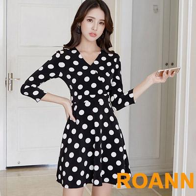 甜美V領波點印花七分袖洋裝 (黑色)-ROANN