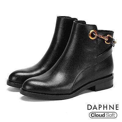達芙妮DAPHNE 短靴-交叉金屬扣帶雲軟鞋墊低跟短靴-黑
