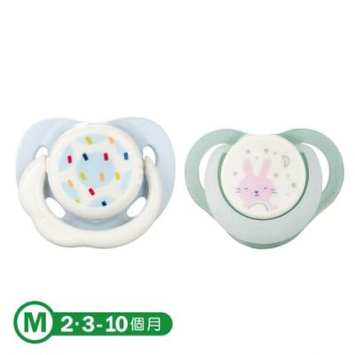 【康貝 Combi】日+夜用安撫奶嘴二入組M-彩點藍+夜夢兔(綠)