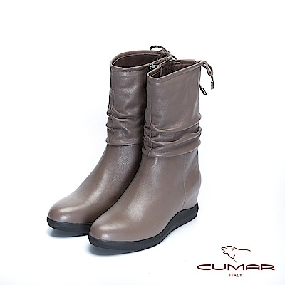 【CUMAR】率性柔美-簡約素雅真皮抓皺內增高短靴