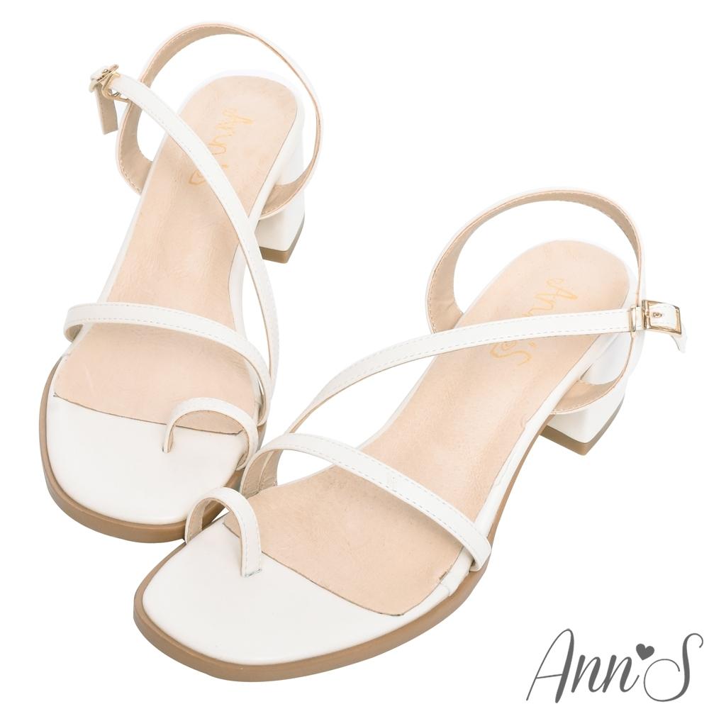 Ann'S怦然時刻-視覺顯瘦斜帶套指方頭粗跟涼鞋-米