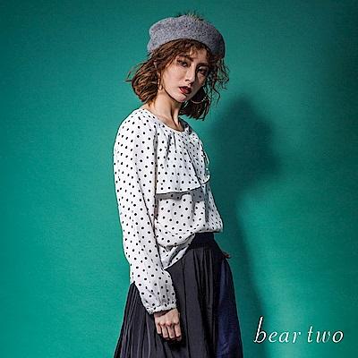 beartwo 典雅珍珠單肩抓皺波卡點點造型上衣(二色)