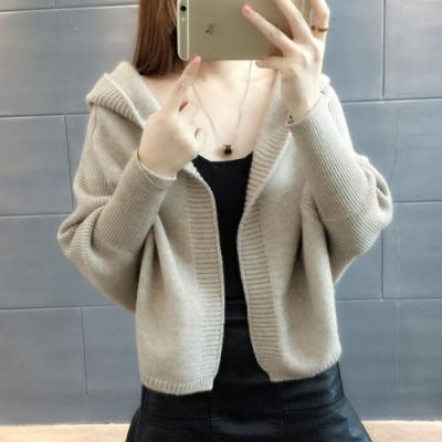 La Belleza素色羅紋蝙蝠袖束袖包心紗連帽針織開衫短版外套
