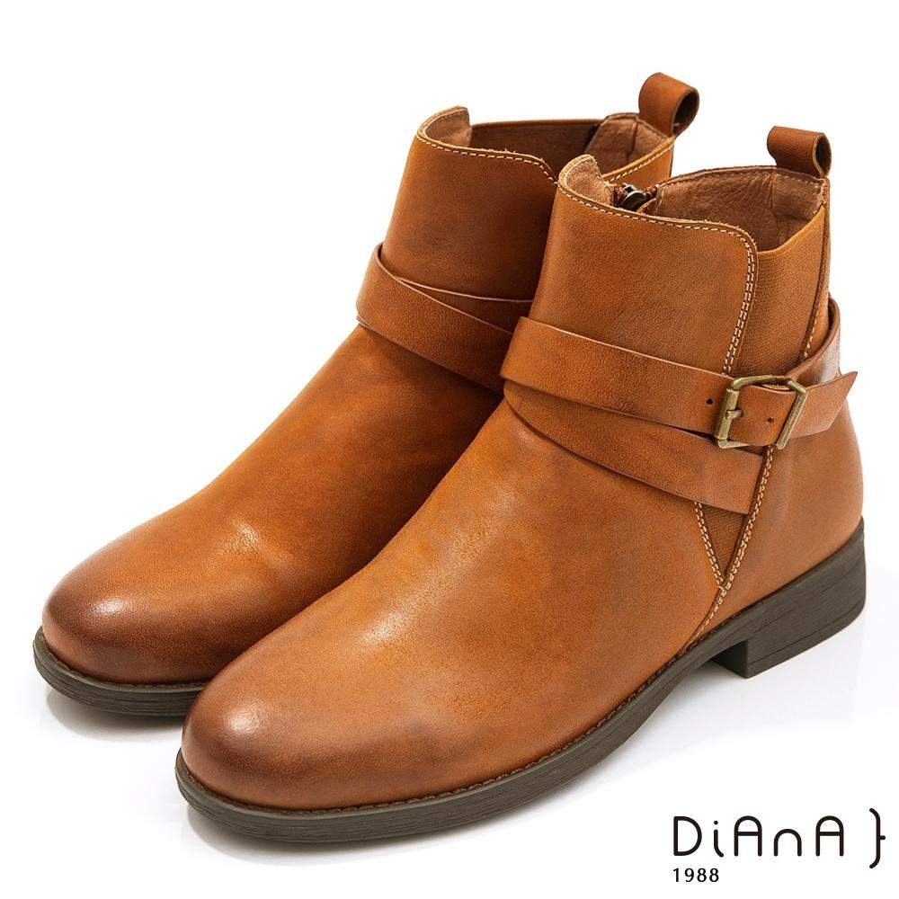 DIANA 3cm質感水染牛皮環踝皮帶釦飾工程短靴-率性獨特-棕情