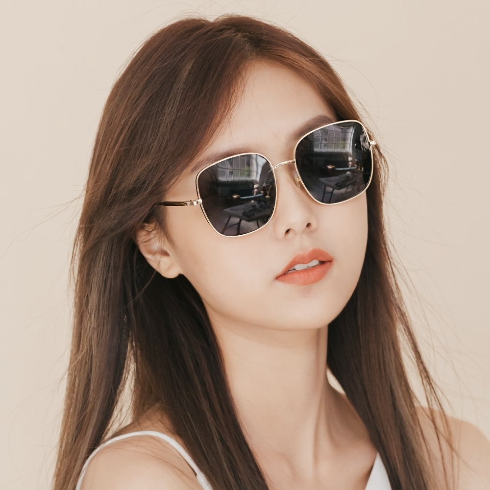 ALEGANT韓系超人氣品味黑微方金框偏光墨鏡│UV400太陽眼鏡│佛羅倫斯的老橋俯瞰