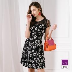 ILEY伊蕾 蕾絲拼接花朵展擺洋裝(黑)