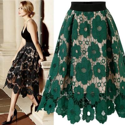 MOCO黑色鬆緊腰蕾絲鏤空刻花附內裡中長裙