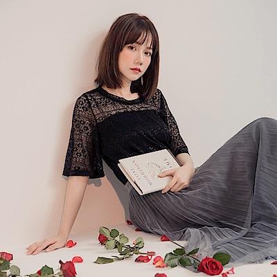 純色微透膚鏤空蕾絲短袖上衣-OB嚴選