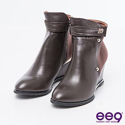 ee9-MIT經典手工-簡約低調異材質併接素面楔型跟短靴*咖色