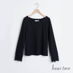 bear two- 氣質蕾絲袖口造型上衣 - 黑