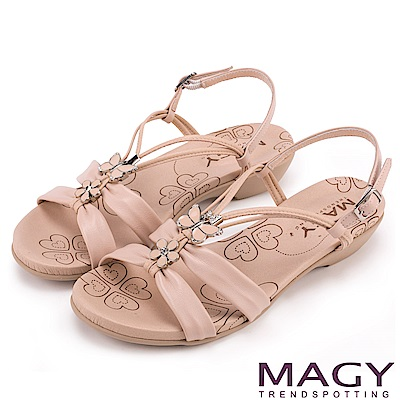 MAGY 夏日甜心 蝴蝶寶石Y字踝帶低跟涼鞋-粉裸