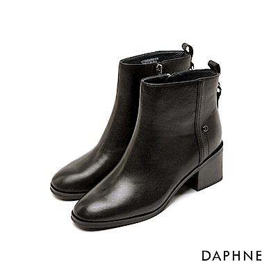 達芙妮DAPHNE 短靴-素色牛皮金屬鉚釘圓頭粗跟短靴-黑