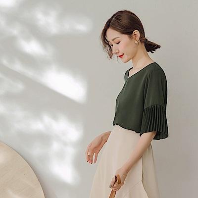 純色不易皺袖口造型壓摺雪紡上衣-OB大尺碼