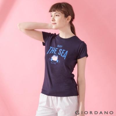 GIORDANO 女裝SUN AND SEA系列印花短袖T恤-42 標誌海軍藍