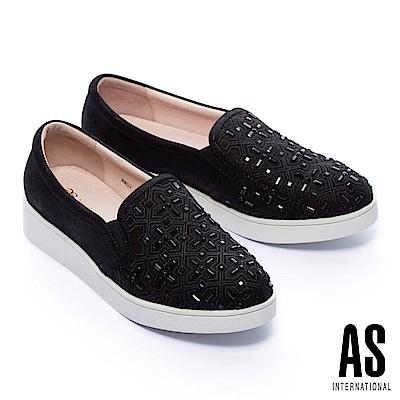 休閒鞋 AS 獨特個性電繡十字鑽設計金屬羊麂皮厚底休閒鞋-黑