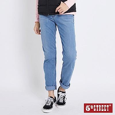 5 th STREET 優雅袋花水洗直筒牛仔褲-女-拔洗藍