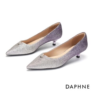 達芙妮DAPHNE 跟鞋-鑽飾V形剪裁尖頭低跟鞋-紫