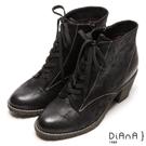DIANA 經典發燒—魅力質感牛紋擦色綁帶短靴-黑