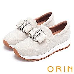 ORIN 時尚渡假風 白鑽飾釦厚底休閒鞋-白色