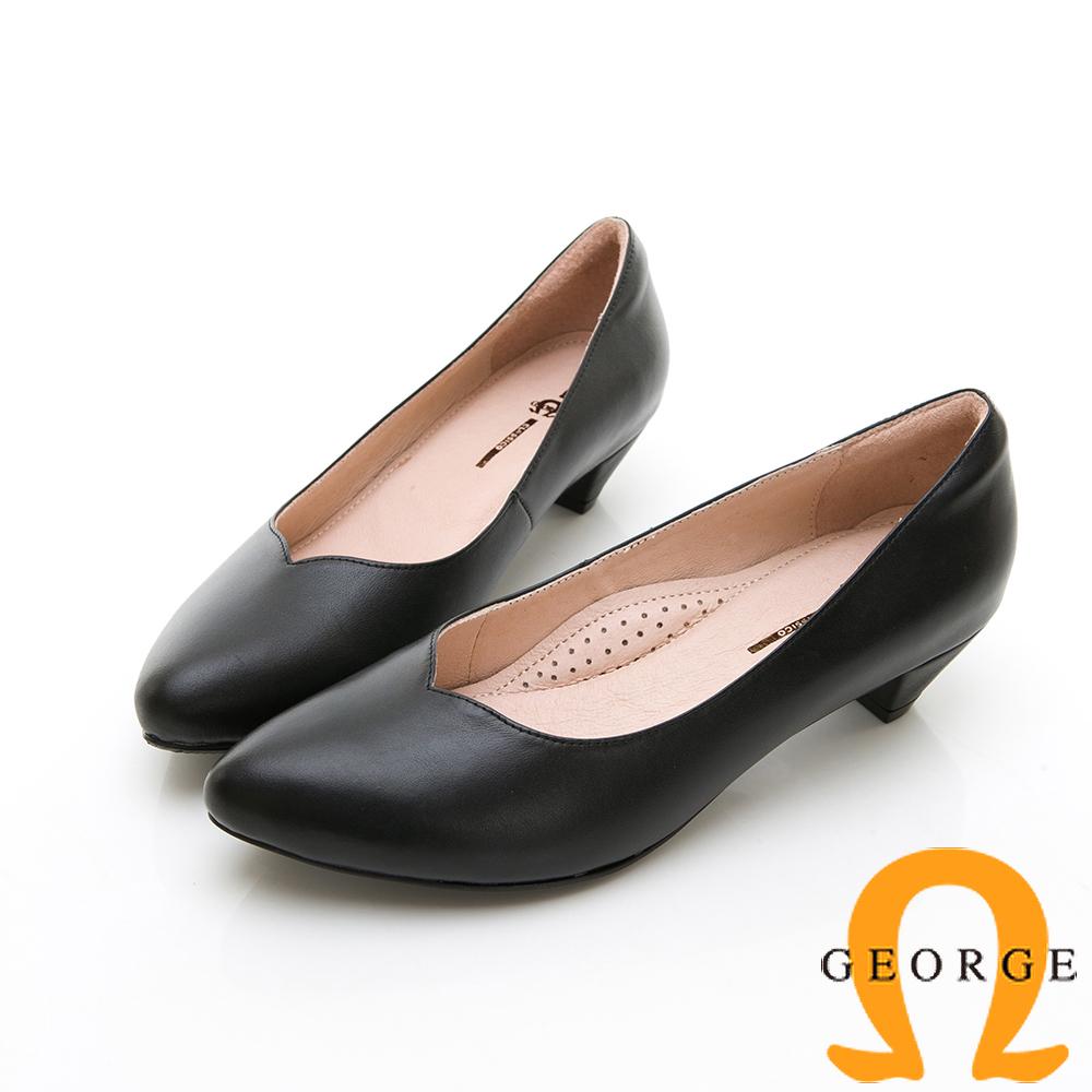 【GEORGE 喬治皮鞋】全真皮素面尖頭低跟鞋-黑色