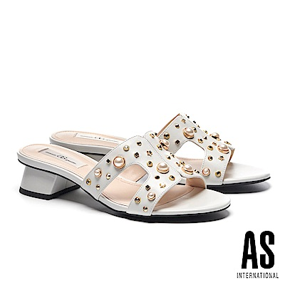 拖鞋 AS 復古奢華珍珠幾何鉚釘點綴全真皮粗低跟拖鞋-白