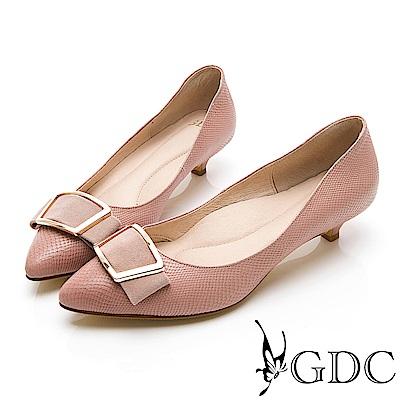 GDC-簡約質感方扣羊絨尖頭低跟鞋-粉膚色