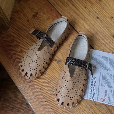 KEITH-WILL時尚鞋館 獨家款微亮天空花朵娃娃鞋-駝色