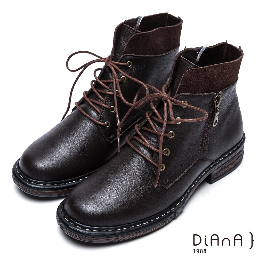 DIANA英挺牛皮x麂皮異材質拼接綁帶短靴-復古英倫-咖