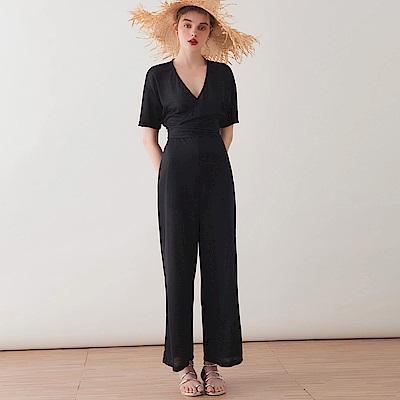 AIR SPACE LADY 交叉綁帶壓紋連身褲(黑)