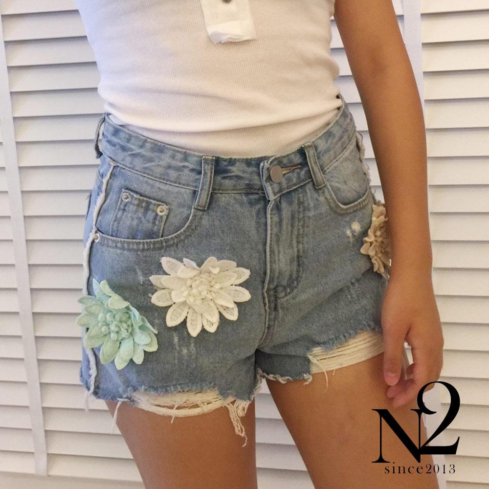短褲 蕾絲花貼布抽鬚刷破牛仔褲 N2