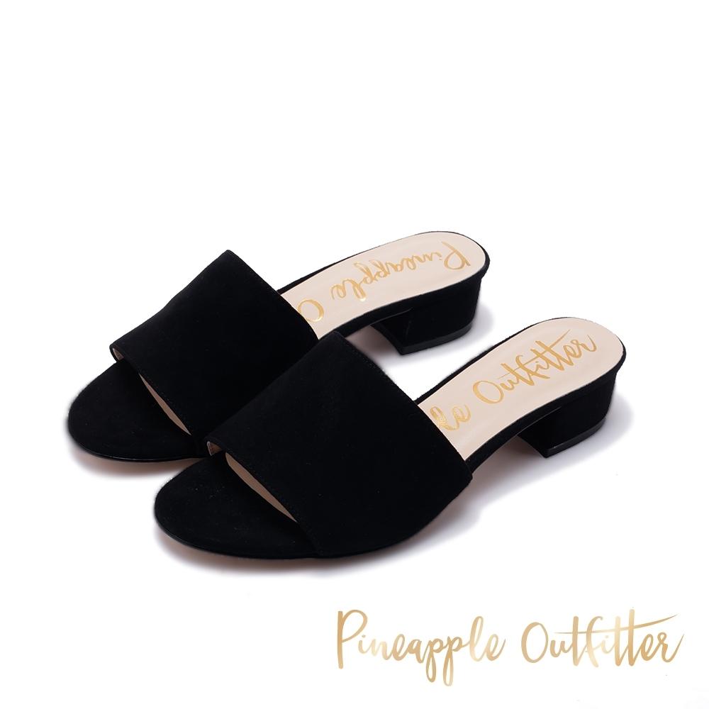 Pineapple Outfitter HELSA 時髦寬帶粗跟涼鞋-絨黑