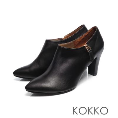 KOKKO -經典尖頭顯瘦感扁跟真皮踝靴 - 亮面黑