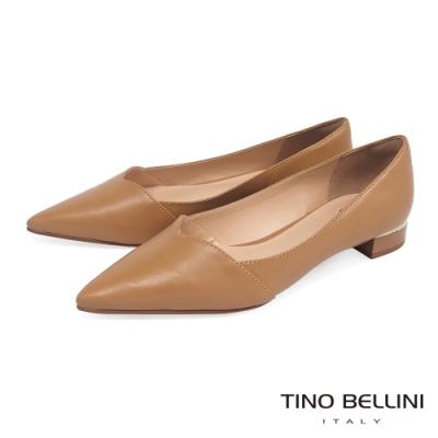 Tino Bellini巴西進口V口造型尖楦低跟鞋_棕