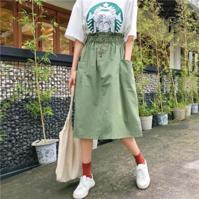 La Belleza素色鬆緊腰側邊大口袋四釦琥珀釦A字裙半身裙