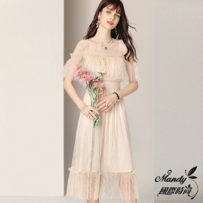 Mandy國際時尚 氣質修身顯瘦一字肩蕾絲短袖洋裝 (1色)【法式服飾】