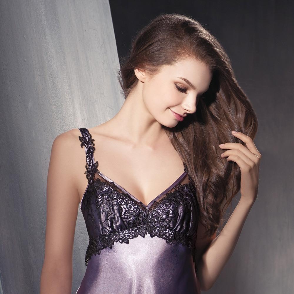 華歌爾睡衣 性感蕾絲 迷人系列M-L 連身睡衣裙(紫)