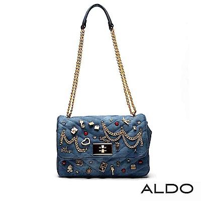 ALDO原色幾何佐徽章金屬鏈帶轉釦包~時尚藍色