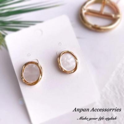 【Anpan 愛扮】韓東大門CHIC幾何金屬風圓形鈦針耳釘耳環-珍珠白