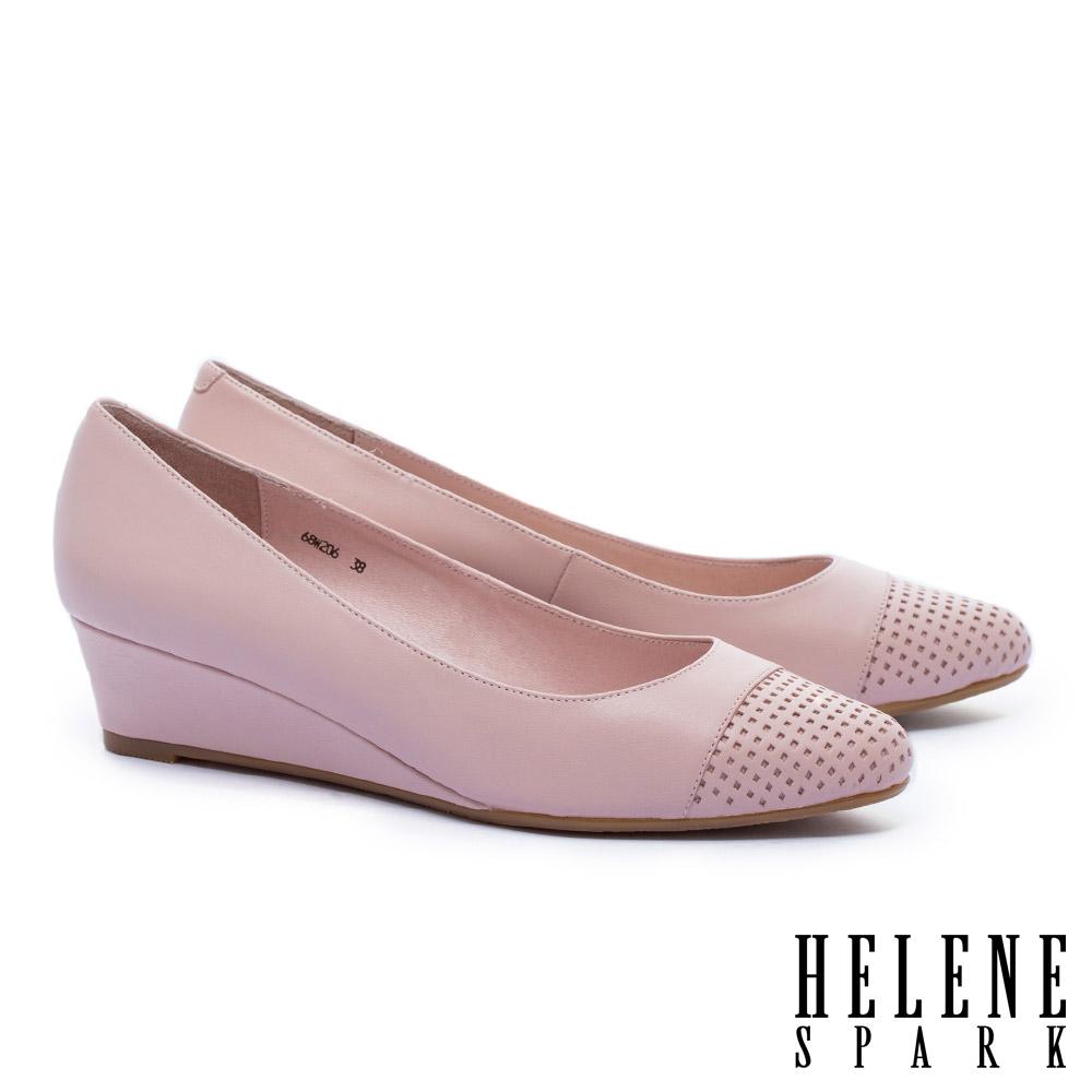 高跟鞋 HELENE SPARK 內斂典雅沖孔拼接羊皮楔型高跟鞋-粉 @ Y!購物