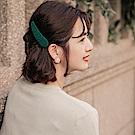 iMODA STAR-臧芮軒。純色絨毛質感甜美髮夾