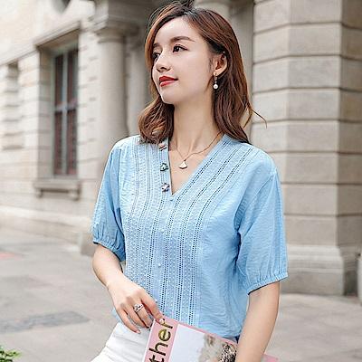 初色  V領小花蕾絲氣質襯衫-淺藍色-(M-2XL可選)