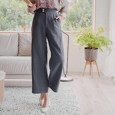 寬腰頭排釦造型腰頭打褶寬版直筒褲-OB大尺碼