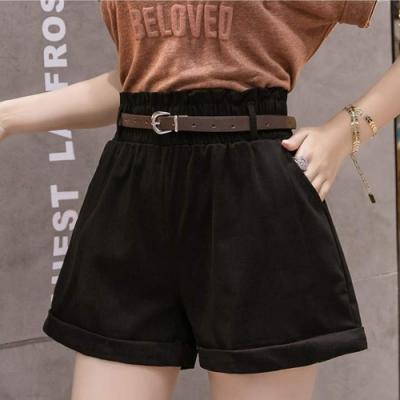La Belleza素面鬆緊高腰側口袋褲管反折卡其短褲附皮帶