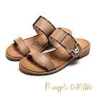 Pineapple Outfitter 時髦涼夏 金屬扣水鑽寬版牛皮拖鞋-棕色
