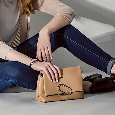 設計感曲線釦環鏈條肩背包/手拿包.2色-OB大尺碼