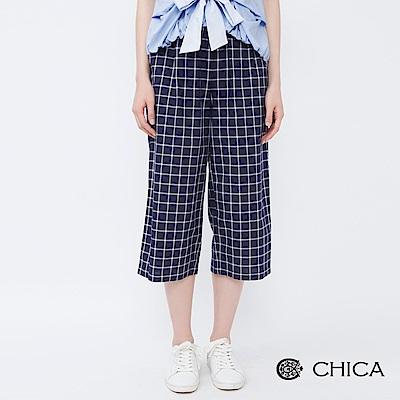 CHICA 英倫知性質感格紋設計寬褲(1色)